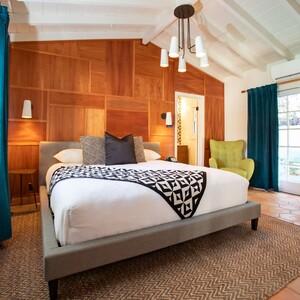 guestroom4-300?v=1