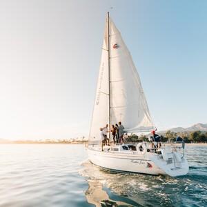 sbsailingcenter_sailing_away_photobyblakebronstadjpg-300?v=1
