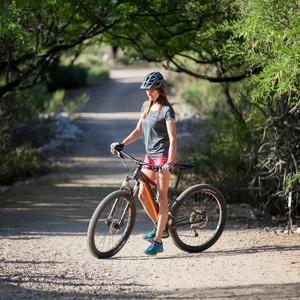 female-helmet-bike-canyon-ranch-wellness-resort-tucson-az_2213%201-300?v=2