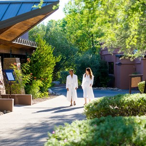 two-females-walking-canyon-ranch-wellness-resort-tucson_4-300?v=2