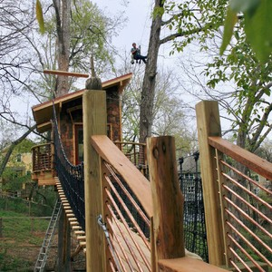 201804-world-treehouse-asheville-downtown-bridge-to-treehouse-300?v=1