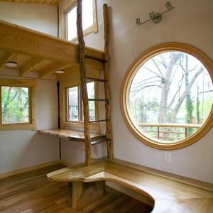 201804-world-treehouse-asheville-downtown-interior-ladder-300?v=1