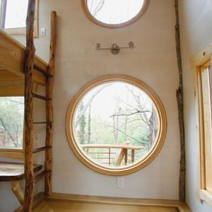 201804-world-treehouse-asheville-downtown-interior-windows-300?v=1