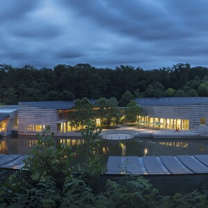 2-panoramic-view-of-crystal-bridges-museum-of-american-art-300?v=1