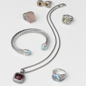 editorial_designer_bracelet_v-1-300?v=2