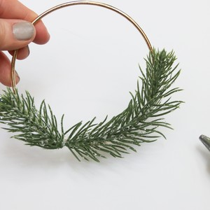 5_glue%20greenery%20to%20hoop-300?v=1