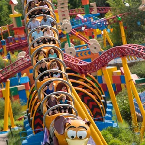 slinky-dog-dash-disney-tslcoaster0718-300?v=1