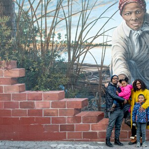 burton%20family%20at%20the%20harriet%20tubman%20mural%20in%20dorchester%20county-300?v=1