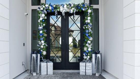 Holiday Door Décor