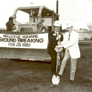 1jrsrgroundbreaking%20of%20the%20bellevue%20square%20expansion%20and%20enclosure%201980-300?v=1