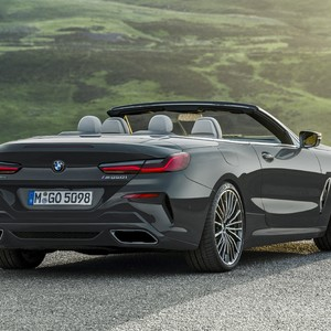 p90327659_highres_the-new-bmw-8-series-300?v=1