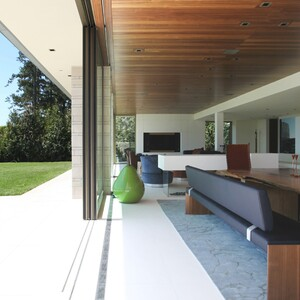 open%20modern%20space%20blending%20the%20outside%20and%20the%20great%20room-300?v=2