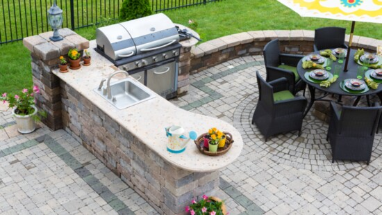 Outdoor Kitchens and Backyard Delights