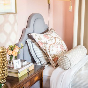 pink-twin-bedroom-1-300?v=2
