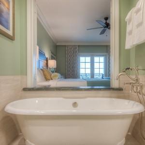 guestroom-spa%20room-tub-300?v=1