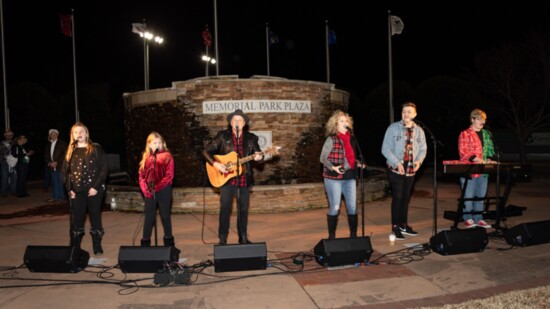 Ringing In Christmas With Rockland Road