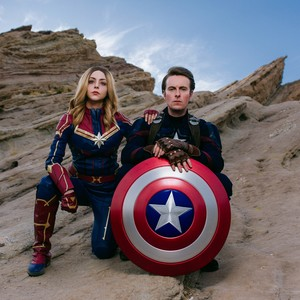 captain%20american%20and%20captain%20marvel-300?v=1