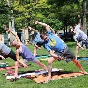 yoga%20in%20market%20park-300?v=1