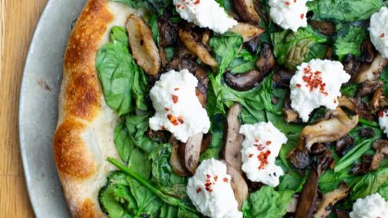 spinach%20%20mushroom%20pizza%202-550?v=2