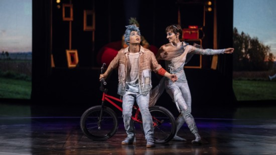 06_volta_daydreaming_10_photo_credit_patrice_lamoureux_costumes_zaldy-550?v=4