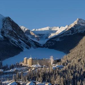 winter_signature_shot_fairmont_chateau_lake_louise_1024720_high-300?v=2